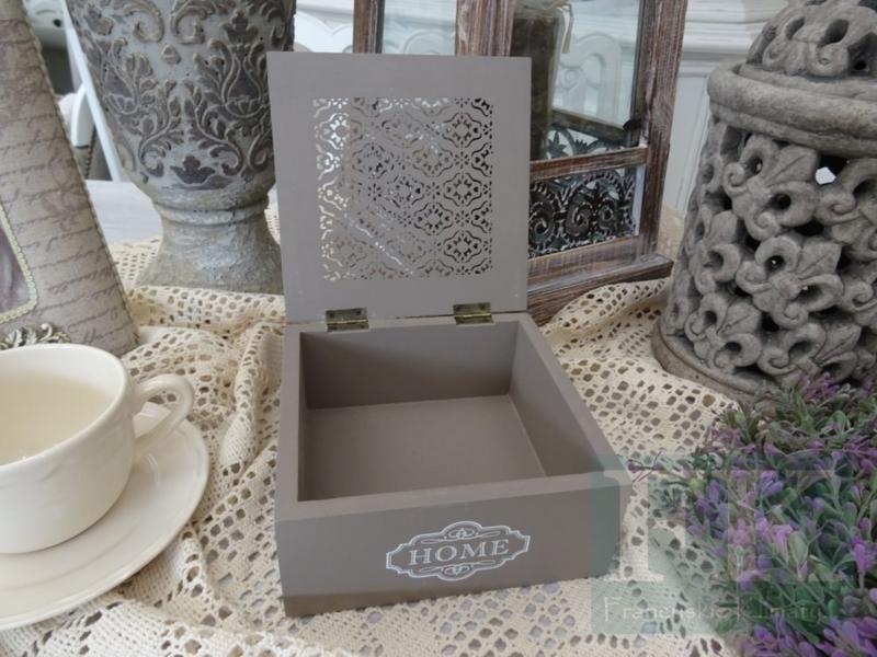 pudełko prezent na Dzień Babci